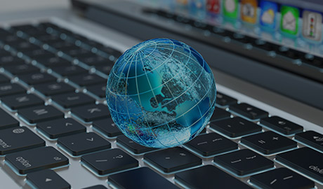 AlphaNumerique : Illustration d'un clavier ordinateur portable avec un globe terrestre 3 D